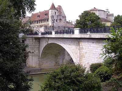 nerac_chateau1.jpg