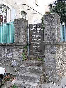 porte d'accès du temple de l'église évangélique libre de St Jean du Gard